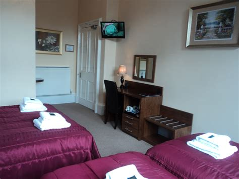 family hotel rooms edinburgh accommodation rates rooms prices at edinburgh regency guest house bed and breakfast