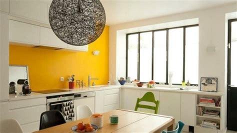 küchen magnettafel wohnzimmer farbe grau lila