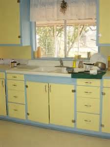blue and yellow kitchen midorilei