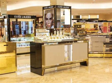 Counter Estee Lauder new scents for favorites the perfume perfume