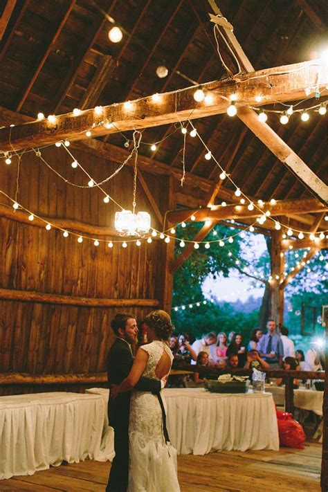 Shed Wedding Venues by Best 25 Rustic Wedding Venues Ideas On