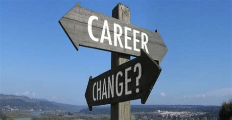 Mba For Switching Careers by Mba For Career Change 2 In 5 Alumni Land In
