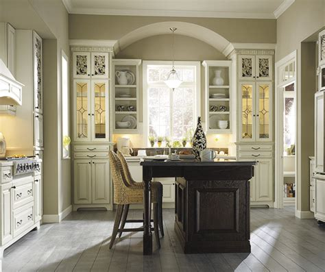 thomasville kitchen cabinet cream thomasville kitchen cabinets linden roselawnlutheran