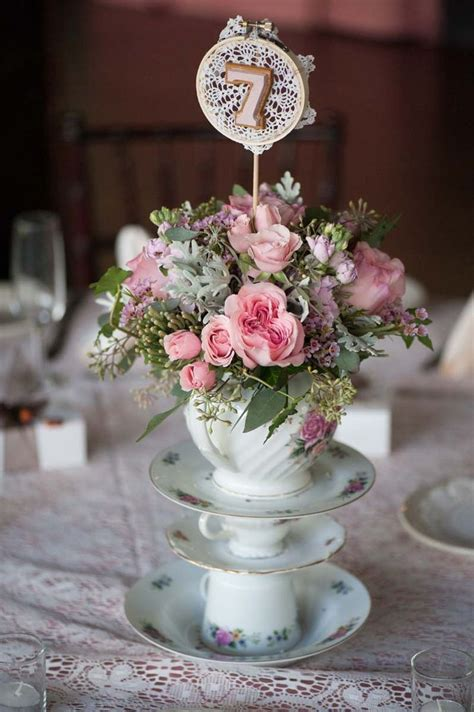 shabby chic wedding table centerpieces deer pearl flowers