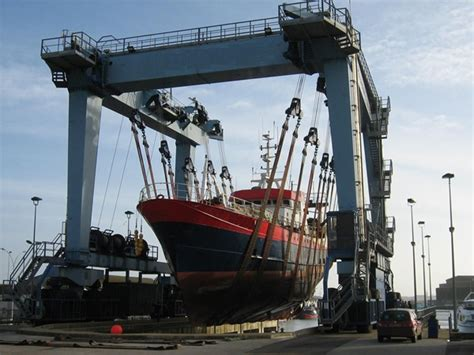 used electric boat lifts for sale 100 ton marine travel lift for sale has large loading