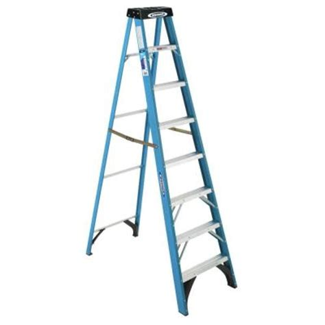 werner 8 ft fiberglass step ladder with 250 lb load