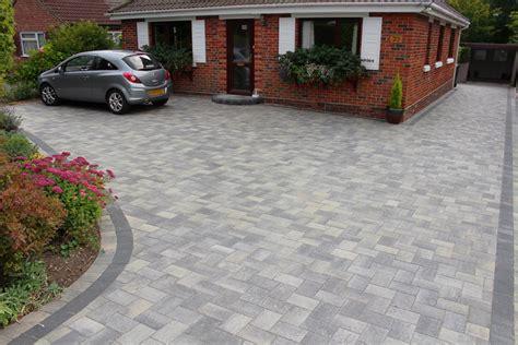 diy paver patio cost per square foot driveway paving ideas on a budget concrete driveway design ideas liversal