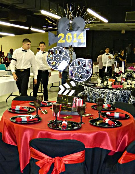 themed centerpiece in 2018