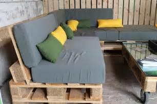 construire un salon de jardin en bois de palette passeur