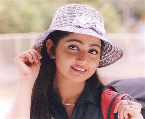 actress divya unni latest photos actress dancer divya unni heading for divorce report