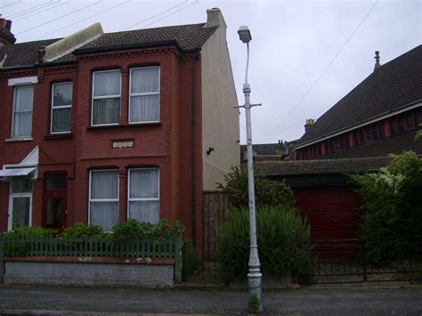 4 bedroom terraced house to rent in norfolk road thornton