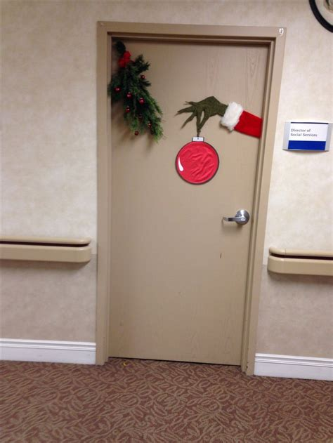 Grinch Door Decorations grinch door decorating grinch 2014