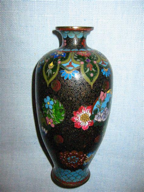 black cloisonne japanese vases chrysanthemum flowers gold