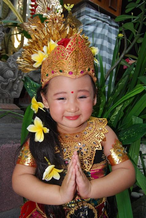 Baju Adat Betawi Anak pakaian adat bali filosofi masyarakat bali informasi wisata indonesia