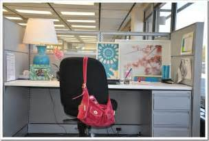 how to decorate your work cubicle decorating ideas