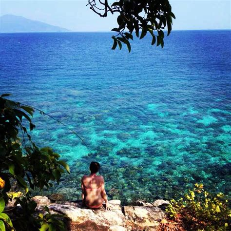 thailand koh lipe     secluded  touristy
