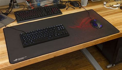 Gaming Desk Mat The Large Rog Sheath Gaming Mat Made Me Rethink My Mouse Pad Edge Up