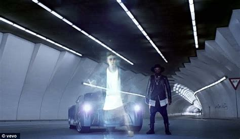 Bieber Hologram justin bieber makes holographic appearance in will i am s