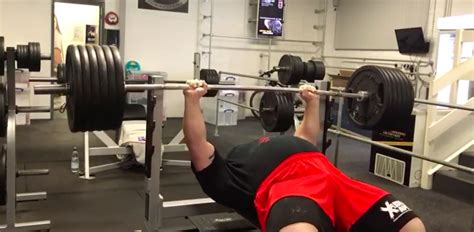 strongman bench press strongman eddie hall bench presses 584 pounds for 6 reps