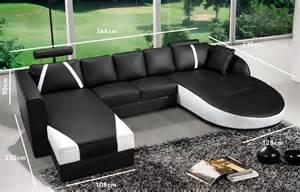 deco in canape 2 angles en cuir noir et blanc