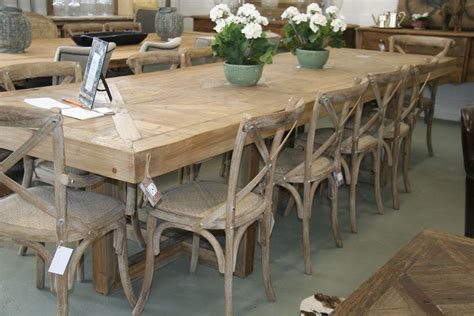 effigy  dining room table seats   big family