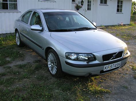 picture of 2001 volvo s60 t5 exterior