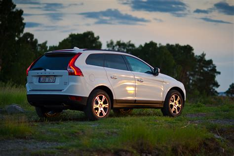 fast volvo unleashes  polestar performance upgrades  xc   xc
