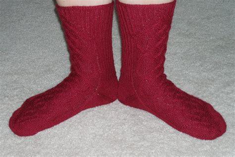 scottish braids of color on socks knitlob s lair louhittaren luola celtic braid socks