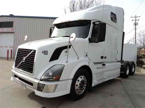 2008 volvo semi truck volvo volvo 2008 sleeper semi trucks
