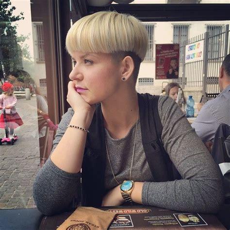 domme barbarette womens haircut 500 best images about bowlcuts mushrooms 1 on pinterest