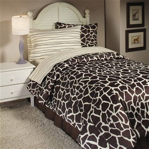 giraffe bedroom leopard animal print bedding set and bedroom decor