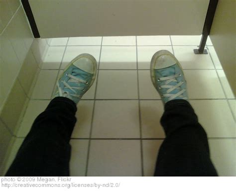 foot tapping in bathroom stalls tapping your foot in a bathroom stall 28 images 6th sooperpodcast the sensata