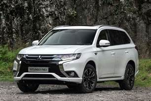 Mitsubishi Outlender 2016 Mitsubishi Outlander Phev Review Uk Drive