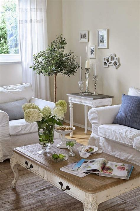 25 charming shabby chic living 25 best ideas about armadio shabby chic su