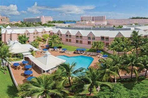 Comfort Suites Paradise Island Registers Record