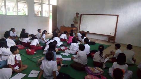 Meja Belajar Di Bekasi kasihannya siswa sd di bogor ini belajar tanpa bangku dan meja pojok jabar