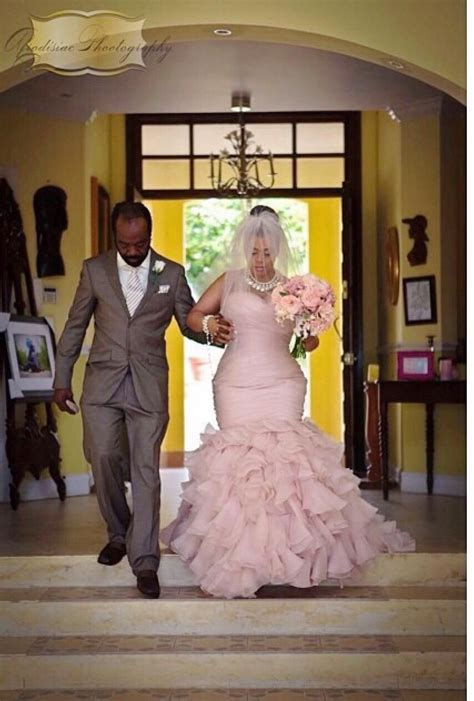 J910 Black plus size blush pink mermaid wedding dresses beaded belt