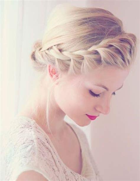 hair twisted around front of head bun tresse coll 233 e pour un mariage la tresse coll 233 e en 20