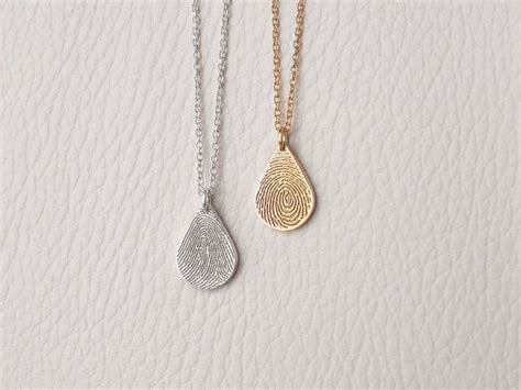 how to make thumbprint jewelry best 25 fingerprint necklace ideas on