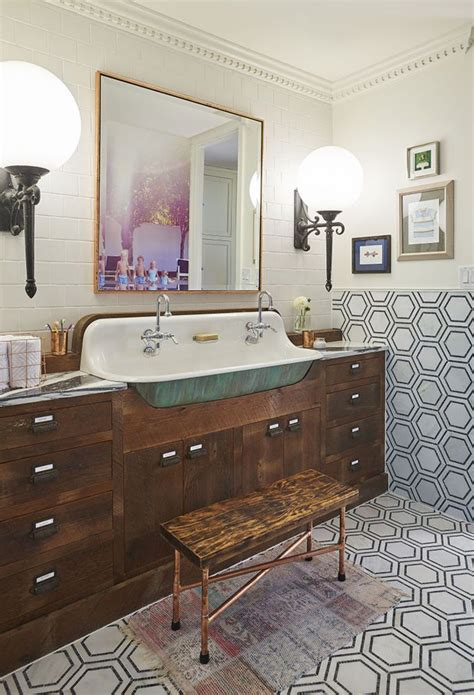 Vintage Bathrooms Ideas 78 Best Ideas About 1920s Bathroom On 1920s House Vintage Tile And Small Vintage