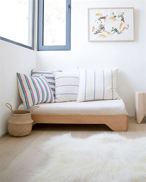 montessori floor bed frame 1000 ideas about montessori bed on toddler