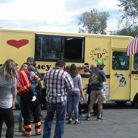 detroit truck detroit coney kansas city food trucks roaming hunger