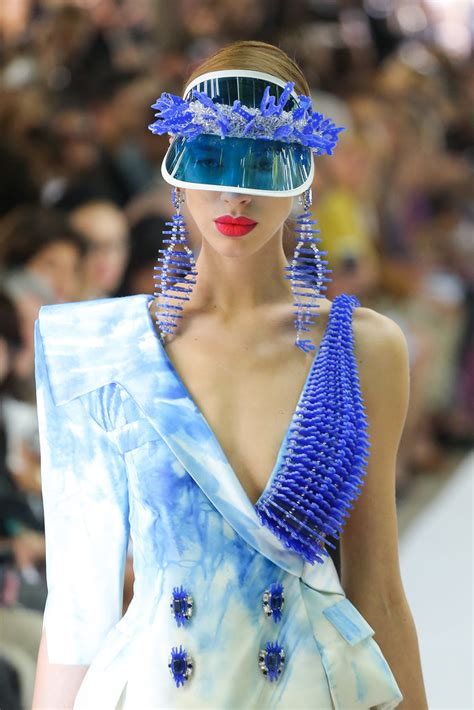 80s Style Here To Stay Couture In The City Fashion by The 80s Reappeared At The On Aura Tout Vu Haute Couture