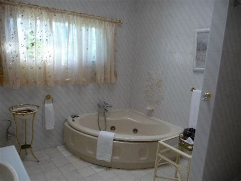 montare vasca da bagno come montare una vasca idromassaggio