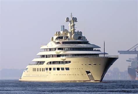yacht dilbar lurssen delivers 600 million superyacht dilbar to alisher
