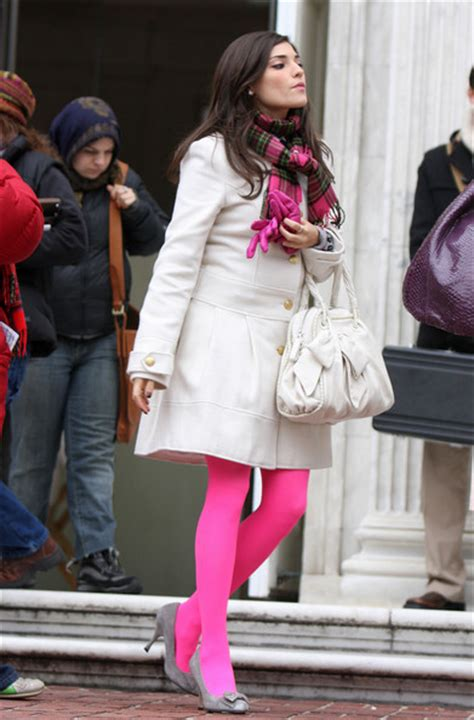 Gossipgirl Legging Pink 3 looks for less how to wear coats like gossip