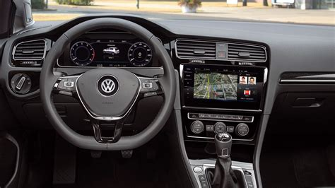 golf 1 nieuw interieur the 2018 volkswagen gti just got an incredibly high tech