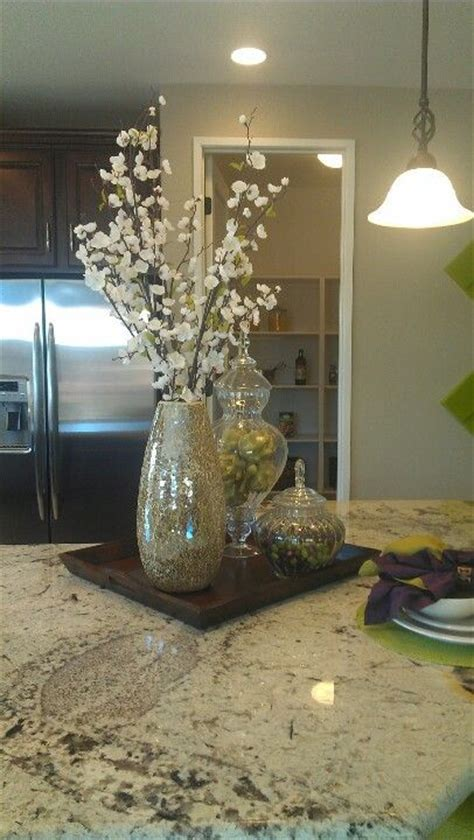 Kitchen Island Centerpiece Ideas 25 Best Ideas About Kitchen Island Centerpiece On Pinterest Kitchen Island Decor Kitchen