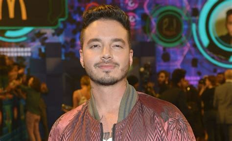 j balvin unforgettable j balvin debuts no 1 on itunes with new single ginza