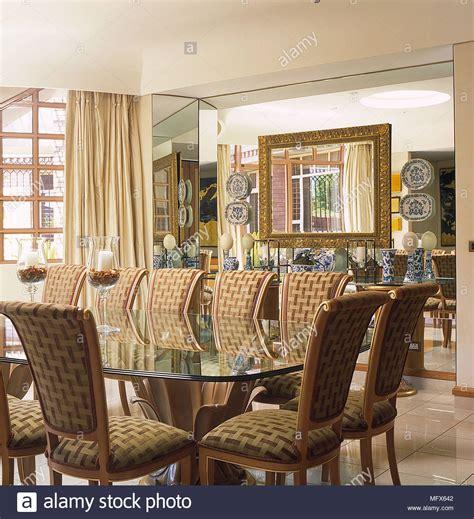 pareti sala da pranzo sala da pranzo pareti bianche piastrelle pavimento in